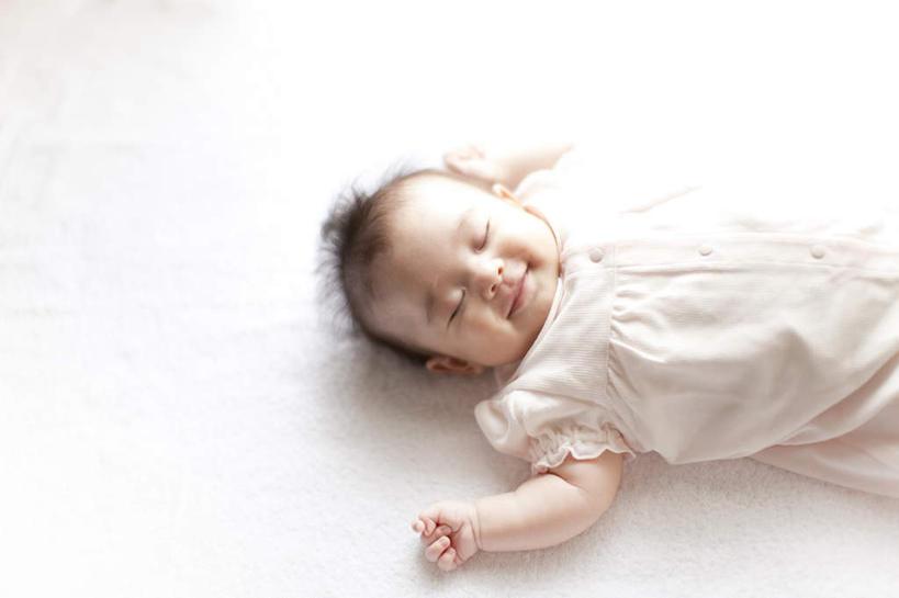 纯洁,双手,黄种人,小孩,白色,托,手部,可爱,摄影,活泼,影棚,宝宝,纯真
