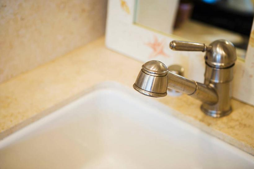 无人,横图,俯视,室内,特写,白天,卫生间,浴室,静物,朦胧,模糊,水龙头