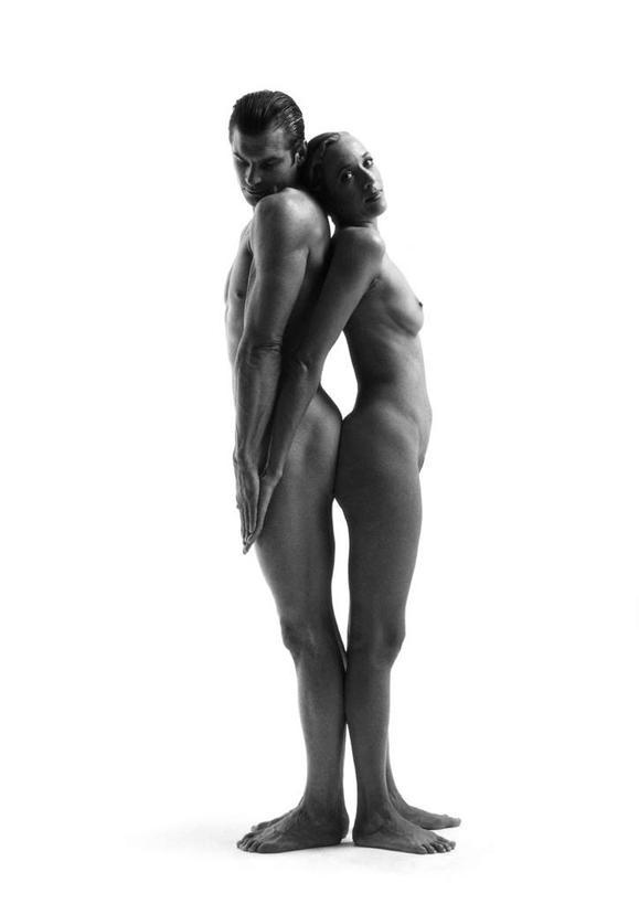 情侣头像两个人黑白背景
