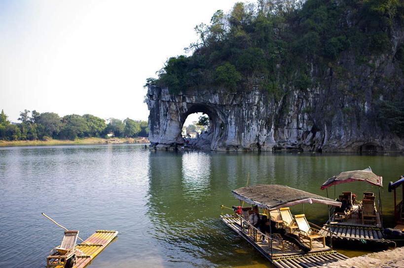 阳光下桂林高清风景图