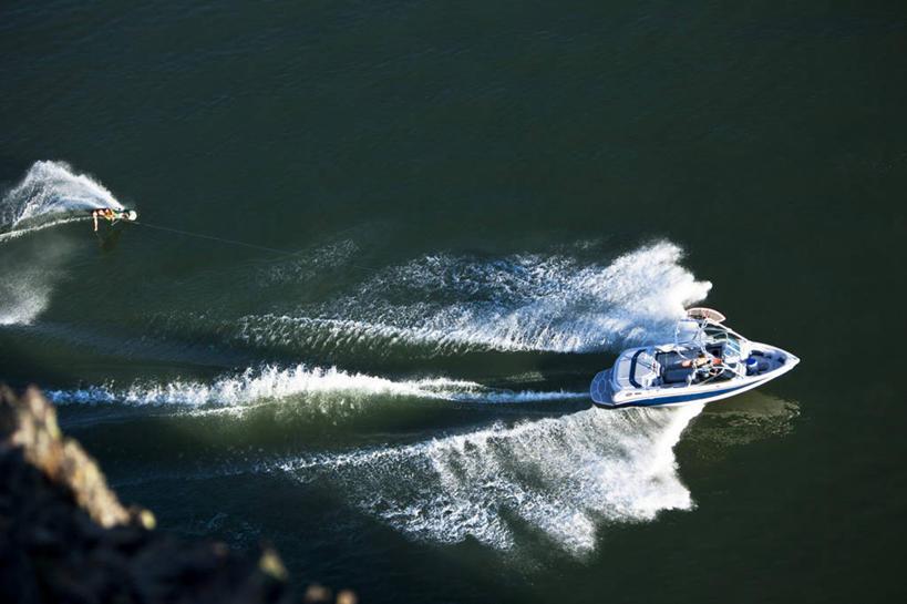 运动,迅速,室外滑水,运动,户外运动,水上运动,摩托艇,定额,滑水摄影潜水泵调试套什么特技图片