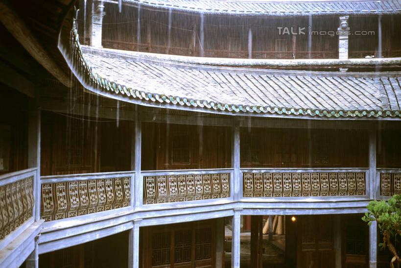 普通两层楼房正面圆形 设计图