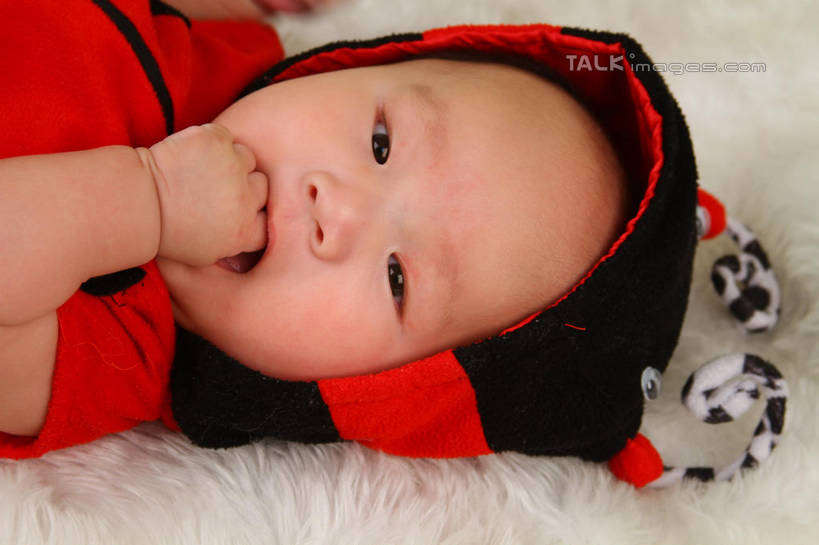 白天宝宝可爱相片