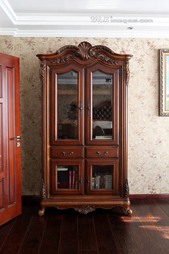 无人,家,竖图,室内,白天,正面,绘画,壁纸,别墅,地板,柜子,家具,门