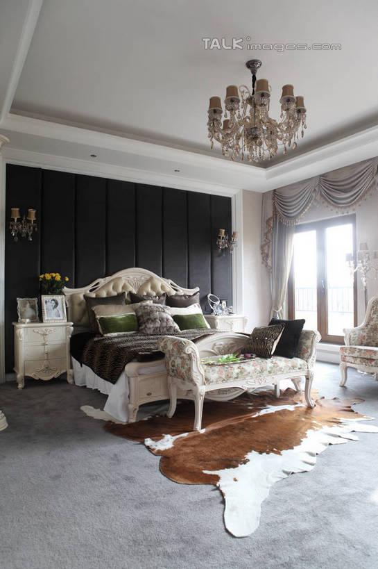 无人,家,竖图,室内,白天,正面,别墅,窗户,窗帘,地毯,柜子,家具,靠垫